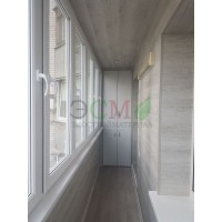 Укладка кварц-виниловой плитки на балконе в Анапе