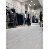 Укладка кварц-винилового ламината в бутике Isabel Garsia, ТРК «Красная Площадь»