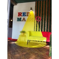 Укладка кварцвиниловой плитки в кафе Red MANGO, ул. Красная 155